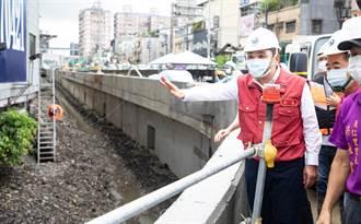 烟花颱風來勢洶洶 侯友宜視察抽水站準備