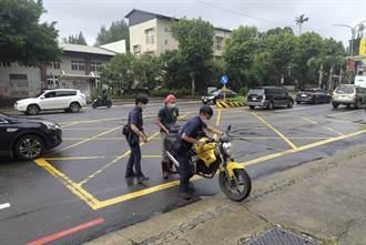 車輛故障卡路中 警即時發現助排除