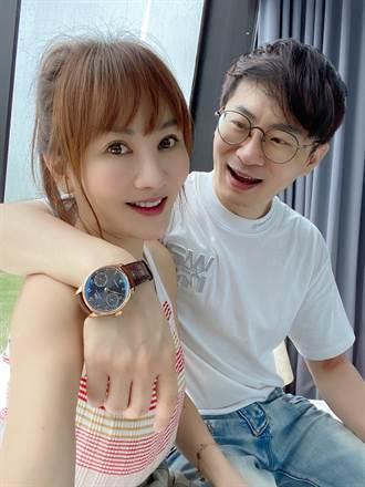 王宥忻贈70萬名錶為老公慶生 憶孕期出血老公把屎尿堅信「選對人」