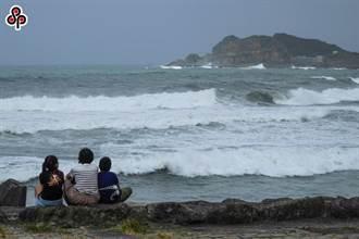烟花颱風接近台灣 海運5航線今明停航