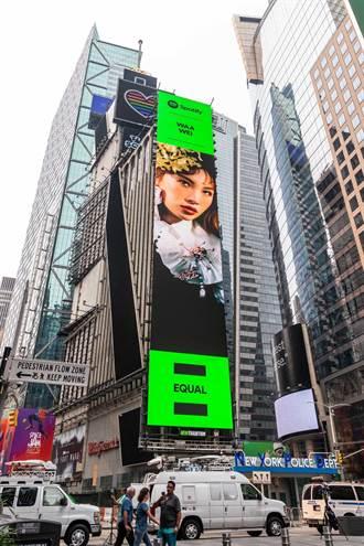 魏如萱接棒張惠妹! 榮耀登上紐約時代廣場20樓巨幕