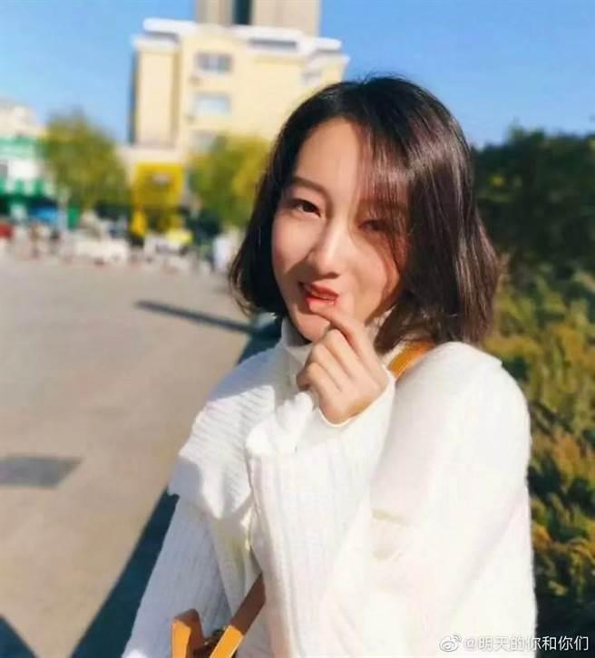 都美竹被網友曝光昔日舊照,威脅將公開她的性愛影片。(取自微博)