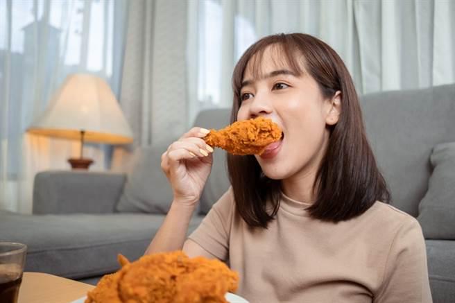 油炸食品是膽固醇難降的主因之一。(示意圖/常春月刊提供)