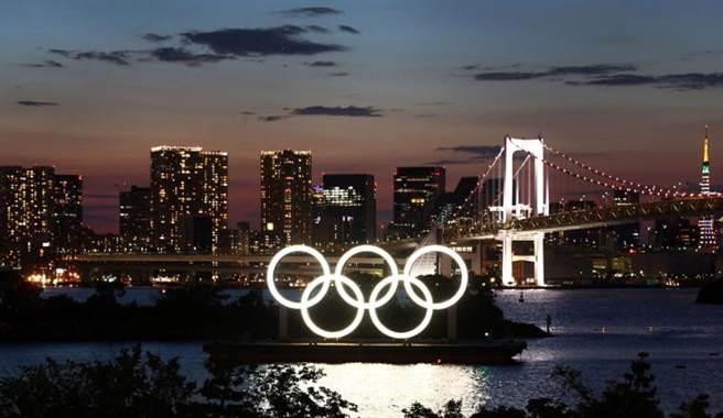 東京奧運23日舉行開幕式,但東京都疫情持續擴大成隱憂。(圖/路透社)