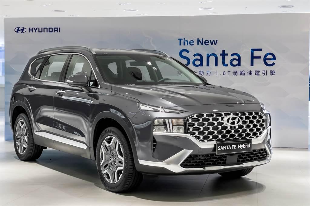 油電車型的外觀與柴油車型沒有明顯差異,預計在10月正式上市。