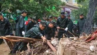河南遇極端強降雨 中部戰區已投入2萬5兵力搶救