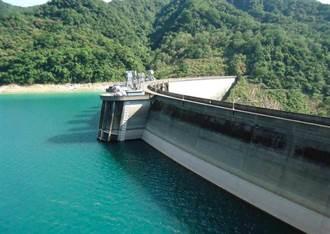 烟花滯留暴雨猛灌 翡翠水庫水量卻狂掉剩70% 原因曝光
