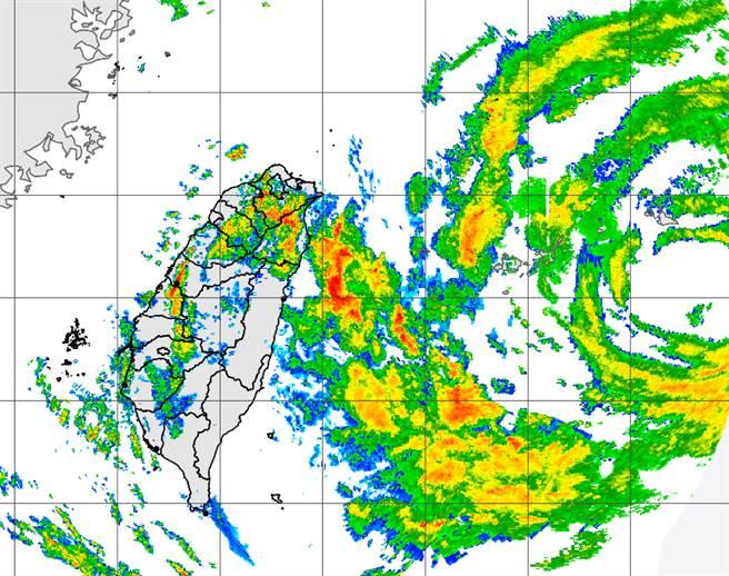 烟花今、明兩天將通過台灣北部海域,北台灣風雨加劇。(中央氣象局提供)