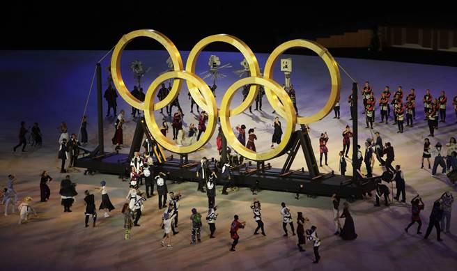 別具創意的奧運五環(季志翔攝)