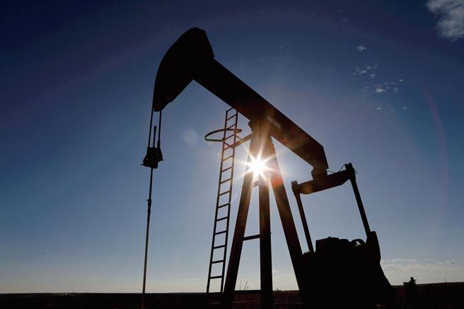 產油國聯盟OPEC+成員國達成增產協議,鑒於美國解封、汽油需求強勁,此協議乃是「正面發展」。圖/路透