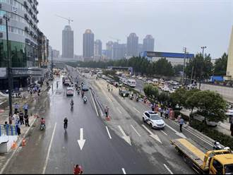 鄭州京廣北路隧道 陸續有遺體被拉出