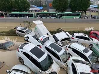 鄭州京廣北路車行隧道淹沒三天搶救 多具遺體移出