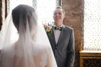 未婚妻被調包 新郎迎娶美嬌娘 轉身見大隻新娘秒崩潰