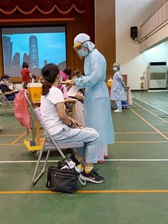 台中力拚開學前 完成4.4萬教師疫苗全覆蓋