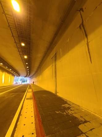 剛完工的淡水沙崙路「新民隧道」漏水 新北市議員怒批:很丟臉