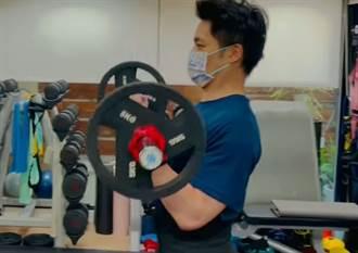 蔣萬安PO健身影片為中華隊加油 釣出顏寬恒讚「肌肉好大塊」