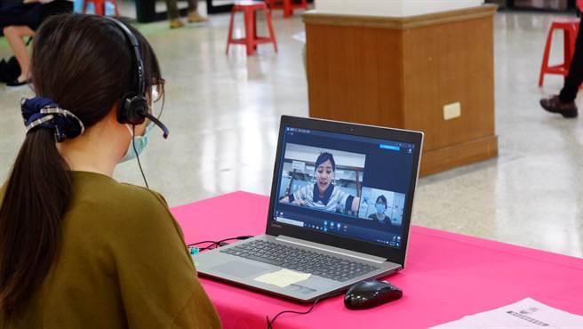 市府汲取去年視訊就業博覽會7成高媒合率成功經驗,今年創新辦理「視訊徵才2.0」全視訊。(台中市政府提供)