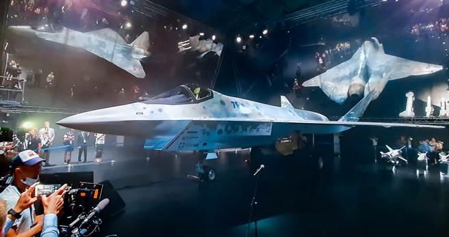 俄羅斯新型5代戰機「將軍」(Checkmate)7月20日在2021年莫斯科國際航太展(MAKS)中亮相。(路透)