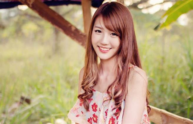 馬來西亞歌手四葉草,擁有甜美的外型。(圖/四葉草 臉書)