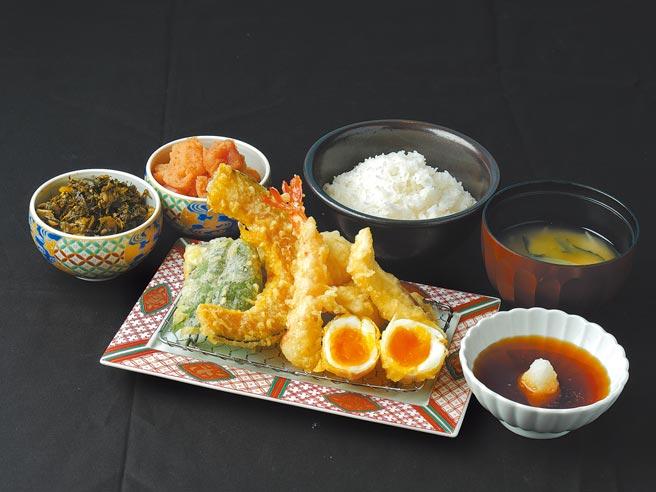 統一時代百貨台北店的博多天麩羅山海推出指定餐點享外帶8折優惠。(統一時代百貨台北店提供)