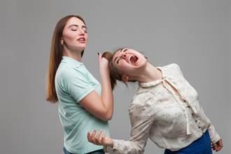 神明開示「女助理很毒會爬上床」 她怒PO文爆料結局好慘