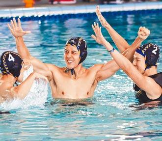 胡宇威直播慶生 看奧運賽事喚運動魂