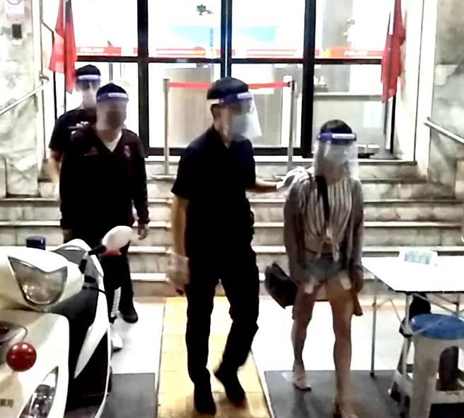 待業的王姓男子扮老司機和蔡女相約性交易,嫌女方服務不周欲砍價不成,反咬蔡女偷竊,警方打臉說詞,雙雙被移送裁處。(翻攝照片/石秀華高雄傳真)