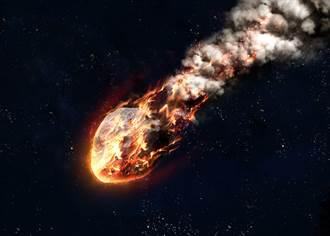 巨大流星閃爆挪威夜空 目擊者嚇壞:空氣都在震動