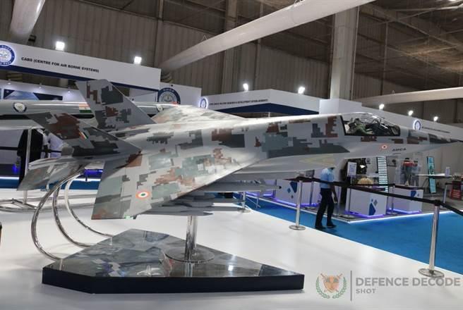 依據印度的規劃,AMCA原型機將在2025年前首飛,生產工作將在2026年至2028年展開。(圖/推特@DefenceDecode)