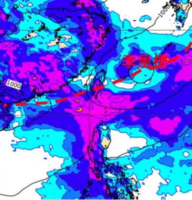 最新歐洲(ECMWF)模式,模擬8月4日20時地面氣壓及累積雨量圖顯示,「季風槽」通過台灣伴隨明顯降雨。(翻攝自「三立準氣象· 老大洩天機」)