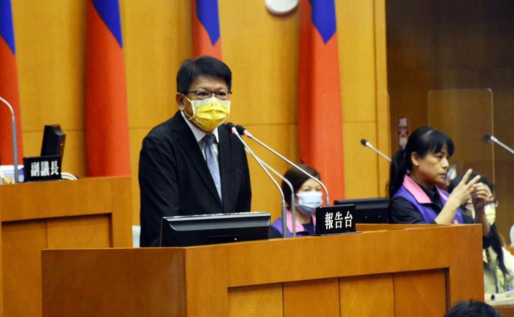 屏東縣長潘孟安針對疫情進行施政報告。(林和生攝)