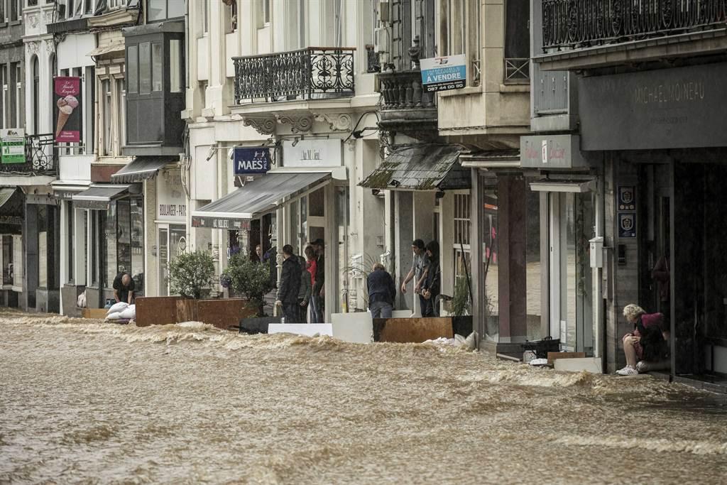 西歐洪水將導致供應鏈受到影響。(圖/美聯社)