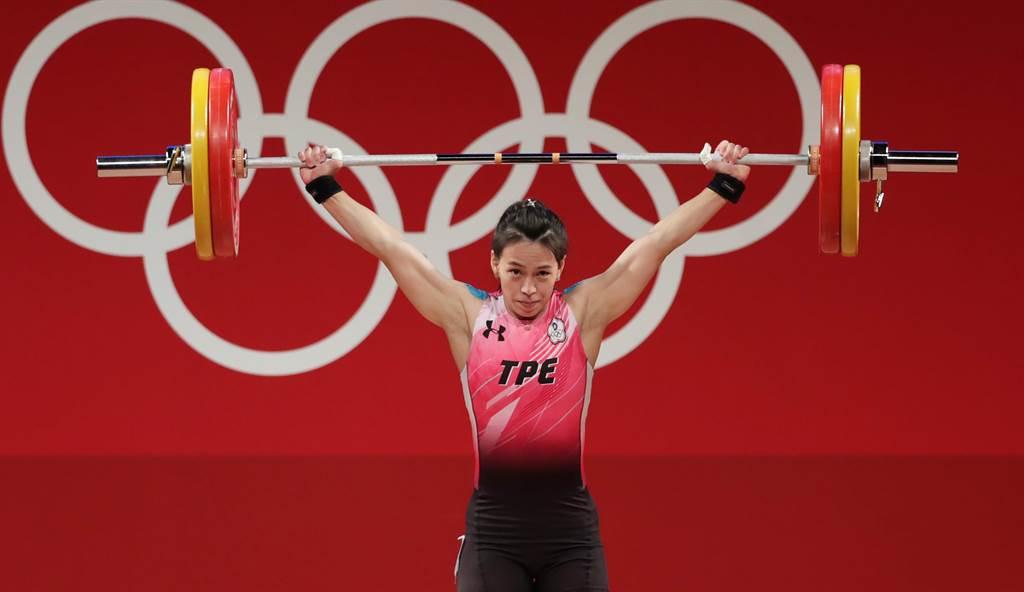 舉重女神郭婞淳在東奧女子59公斤級抓舉締造103公斤的奧運紀錄。(季志翔攝)