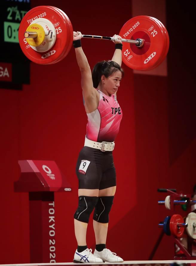 郭婞淳兩度挑戰抓舉103公斤,最後締造奧運新紀錄。(季志翔攝)