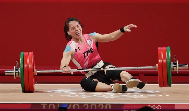 郭婞淳最後一把挑戰挺舉141公斤的新世界紀錄,可惜沒能成功。(季志翔攝)
