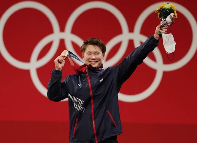 陳玟卉在女子舉重64公斤級替我國添得1銅。(季志翔攝)
