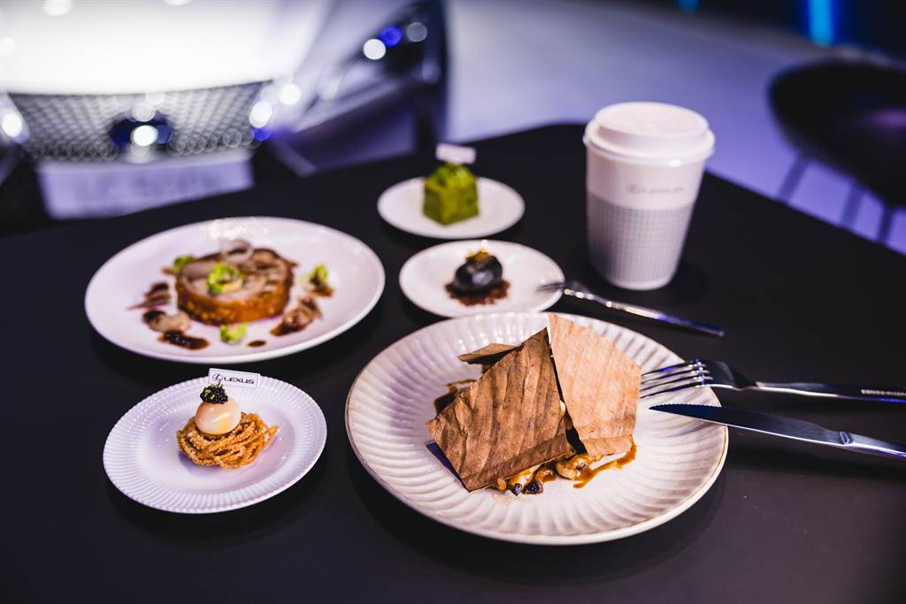 LEXUS ELECTRIFIED品牌概念店與LSD Café Salon餐廳及VWI by CHADWANG咖啡合作,等待饕客前來體驗。