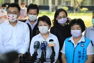 國高中教師和公車司機疫苗被中央喊卡 盧秀燕:勢在必行