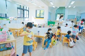 新竹幼兒園復課 設隔板用餐