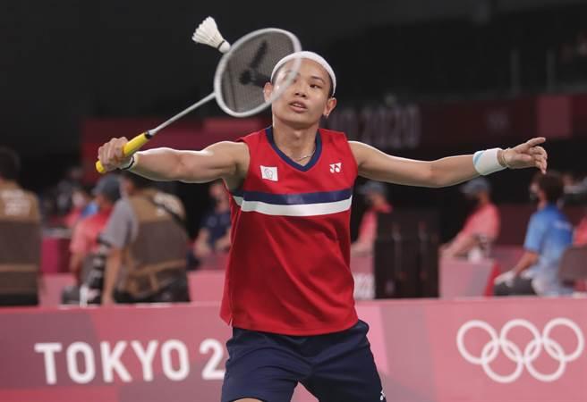 戴資穎在東京奧運羽球女單小組賽第3場直落二獲勝,帶著3連勝氣勢晉級到淘汰賽階段。(季志翔攝)