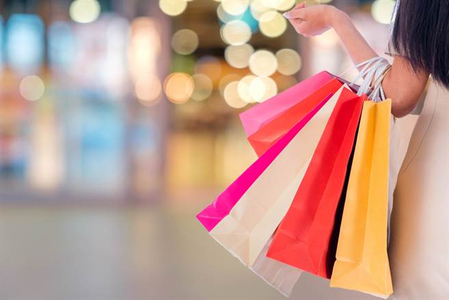 台大妹童年遭窮養,長大才發現家裡超有錢,引起網友討論。(圖/Shutterstock)