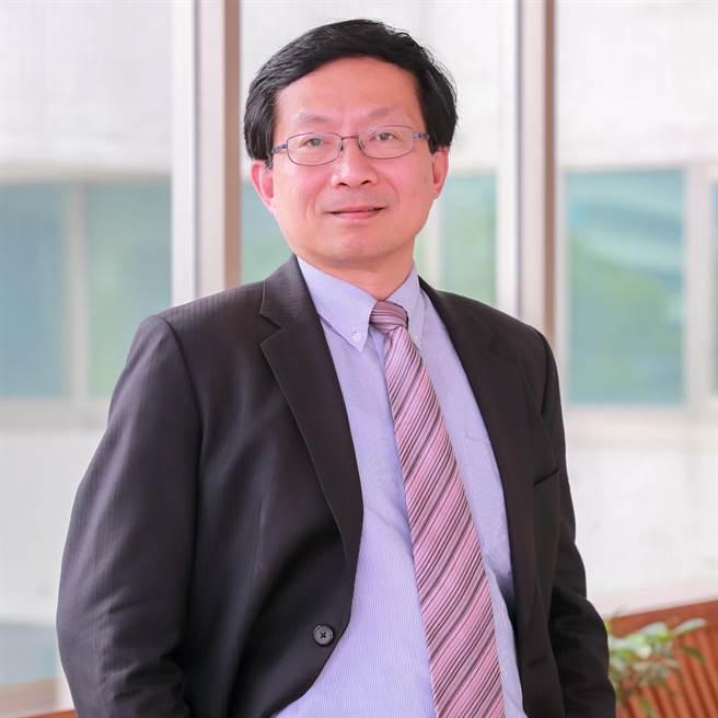 工研院產科國際所所長蘇孟宗,解讀「疫情升溫對產業影響調查」結果,提出相關建言供政府和企業參考。(工研院提供/羅浚濱新竹傳真)