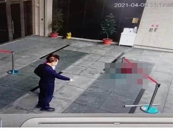 謝姓男子在士林地檢署門口持鐵條、辣椒水攻擊婦人,士林地院依傷害罪判處徒刑7月。(圖/本報資料照)