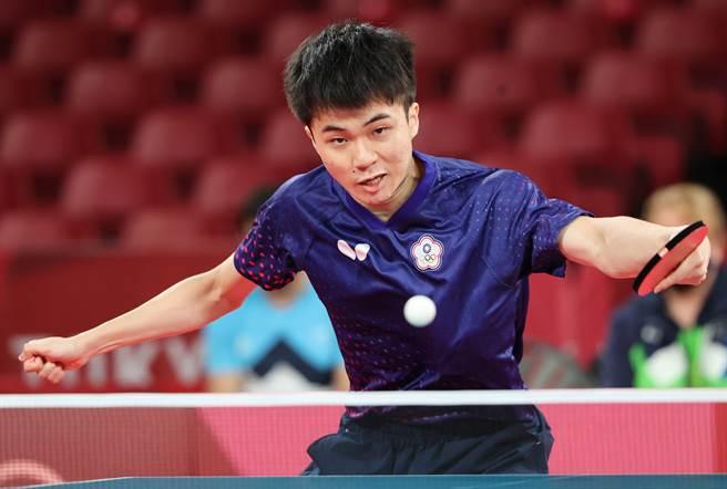 林昀儒順利晉級男單4強。(季志翔攝)