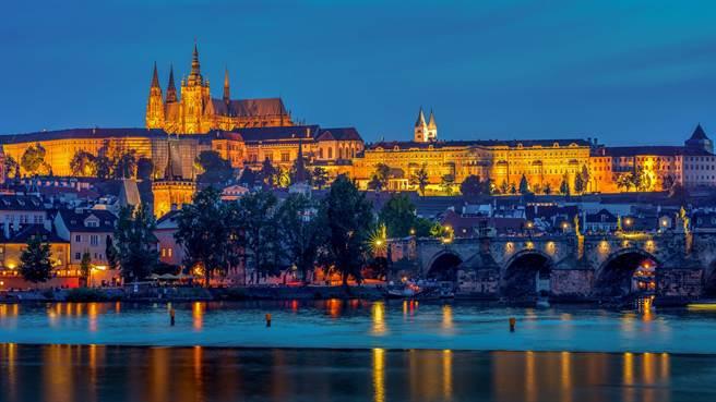 捷克位在中歐,在古代被稱為波希米亞王國,擁有優雅的古蹟建築。(圖/取自pexels)