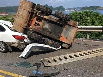 瑞芳台2線驚悚車禍!4車撞成一團 車斗飛出壓爛轎車
