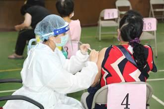 台中市議會議員到場接種不多 以行政人員施打占大宗