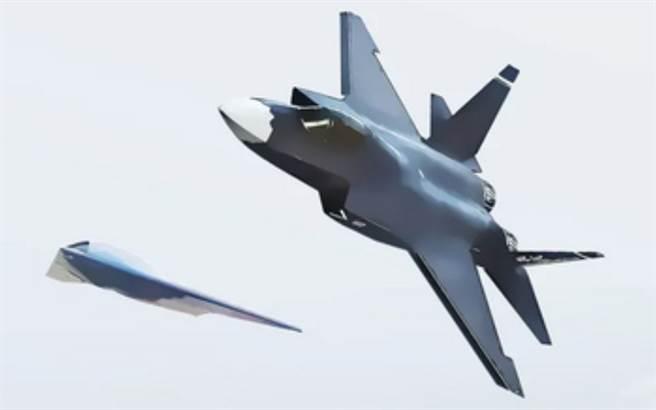 FC-31「鶻鷹」戰機再度現身航空工業的《逐夢藍天》宣傳海報中。(航空工業)