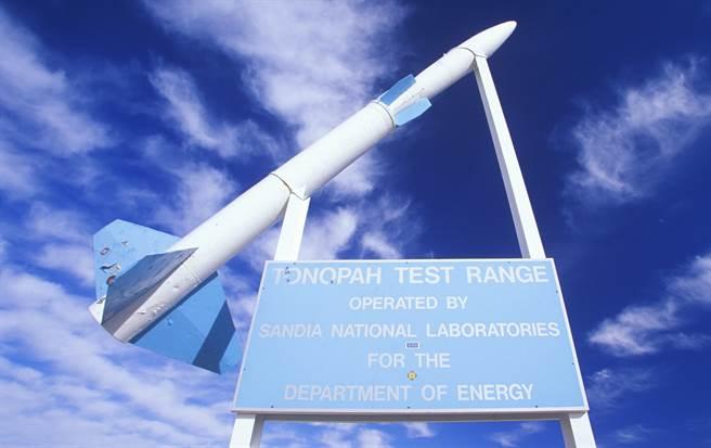 托諾帕測試靶場(Tonopah Test Range)有「52區」(Area 52)之稱,神秘程度和「51區」(Area 51)不相上下。(達志影像/Shutterstock)