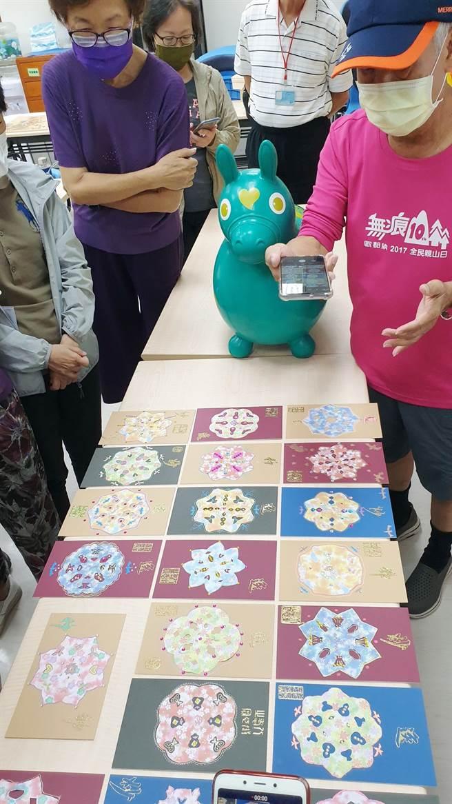 老師為「花開富貴‧節慶好時光」課程主題設計窗花風情創作。(攝影/黃琇淩)